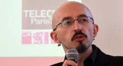 """[Vidéo] A la journée """"Wikipédia. Objet scientifique non indentifié"""" (CNRS, 5 juin 2013)"""
